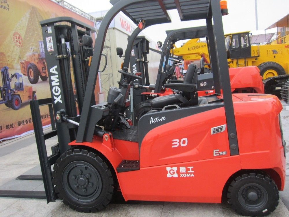 3Ton 80V/500Ah AC Battery Powered Forklift Small Diameter Steering Wheel